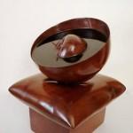 Alberto Patino - Bol, escultura en caoba - 25 x 18 x 19 cm