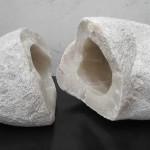 """ST piedra de Huamanga 36 x 82 x 41 cm1 150x150 - Junio: Michiko Aoky expone """"Blanco sobre blanco"""""""