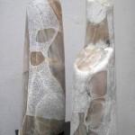 """ST piedra de Huamanga 66 x 40 x 28 cm 150x150 - Junio: Michiko Aoky expone """"Blanco sobre blanco"""""""