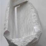 """ST piedra de Huamanga 82 x 48 x 24 cm1 150x150 - Junio: Michiko Aoky expone """"Blanco sobre blanco"""""""