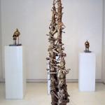 Serie Acumulaciones #4 - Bronce fundido, 233 x 52 x 19 cm.