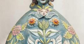 Virgen de la luna - ceramica, 86 x 50 x 40 cm.